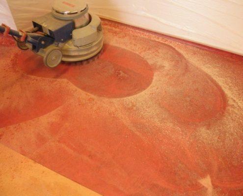 Linoleum vloer schuren